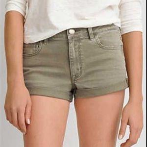 American Eagle high rise shortie jean shorts 10